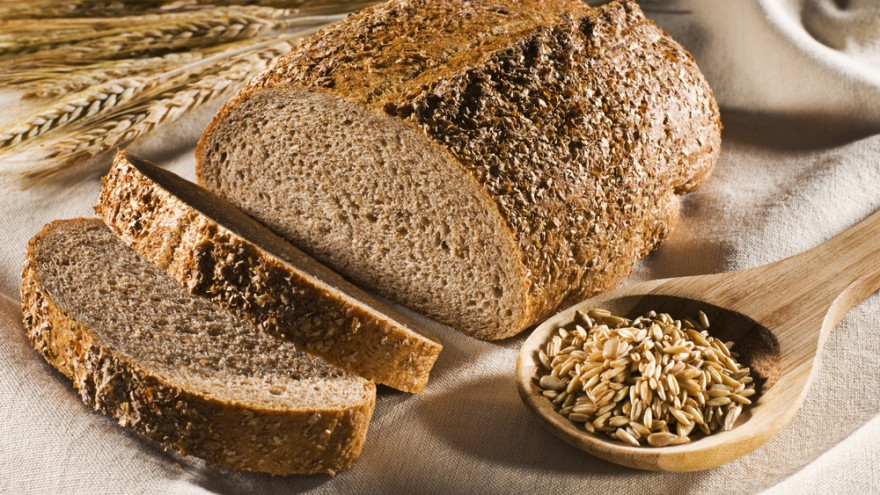 20160225-whole-grain-bread-shutterstock_63149434-880x495.jpg