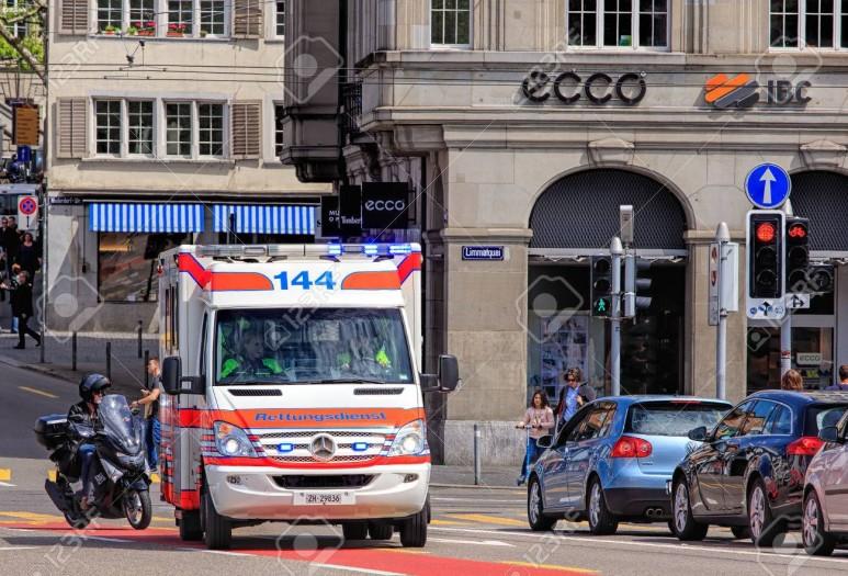 66384110-zurich-switzerland-25-may-2016-an-emergency-german-rettungsdienst-v.jpg