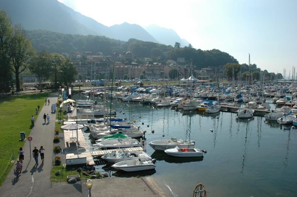 bouveret_vue_promenade_port_28287.jpg